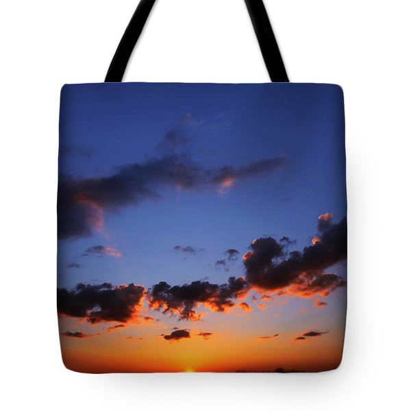 Sunset In Ithaca New York Tote Bag by Paul Ge