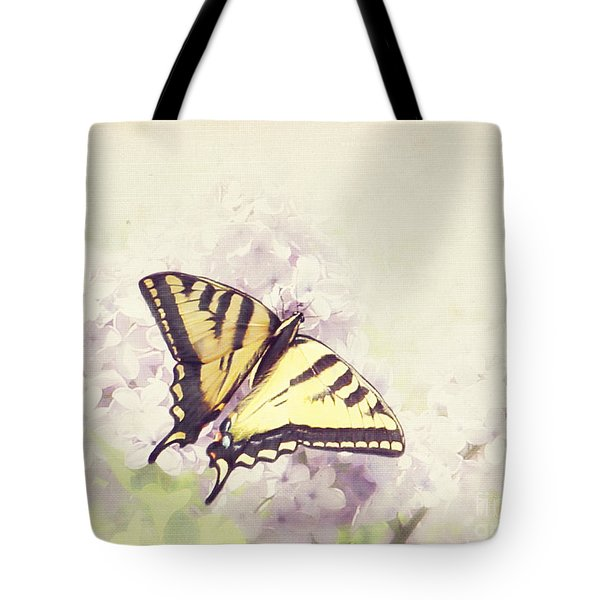Swallowtail On Lilac Tote Bag