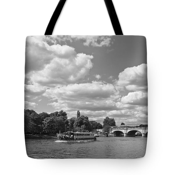 Tote Bag featuring the photograph Thames River Cruise by Maj Seda