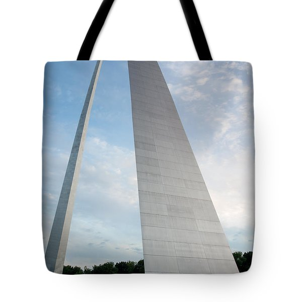 The Arch In St Louis Tote Bag by Semmick Photo