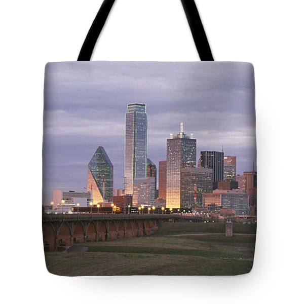 The Dallas Skyline At Dusk Tote Bag by Richard Nowitz