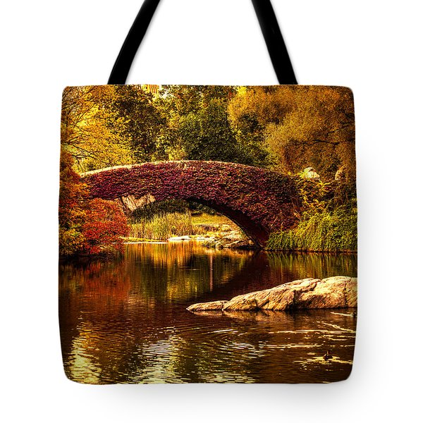 The Gapstow Bridge Tote Bag