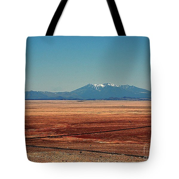 The Long Road To The Meteor Crater In Az Tote Bag by Susanne Van Hulst