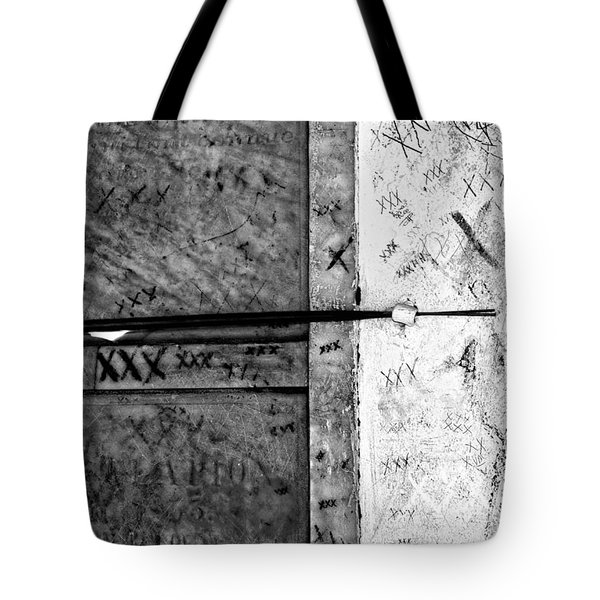 Tomb Of Marie Laveau Voodoo Queen Of New Orleans Black And White Tote Bag by Kathleen K Parker