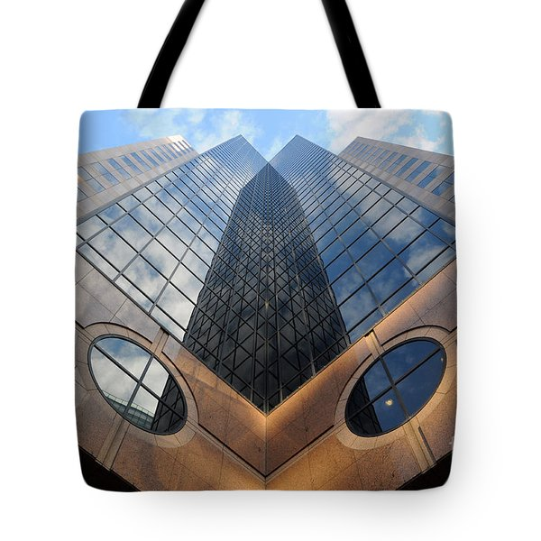Towering Modern Skyscraper In Downtown Tote Bag