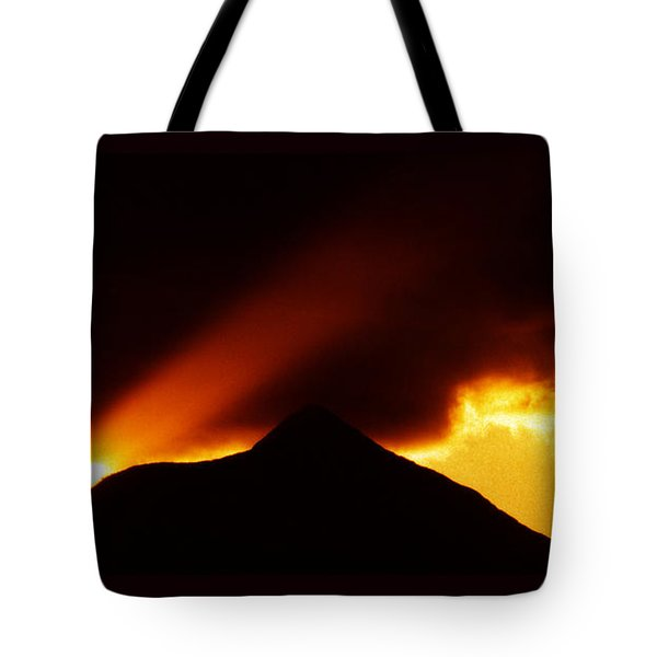 Tote Bag featuring the photograph Transcending The Mind by Susanne Still