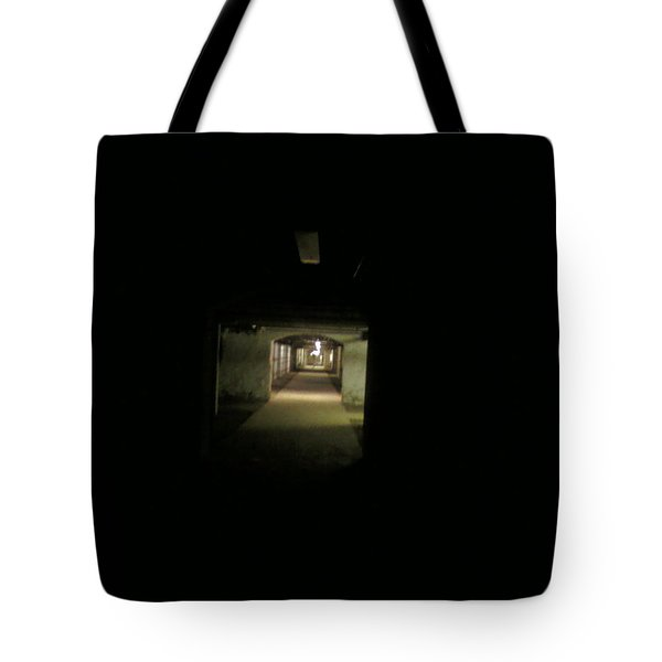 Tunnel Tote Bag by Linda Hutchins