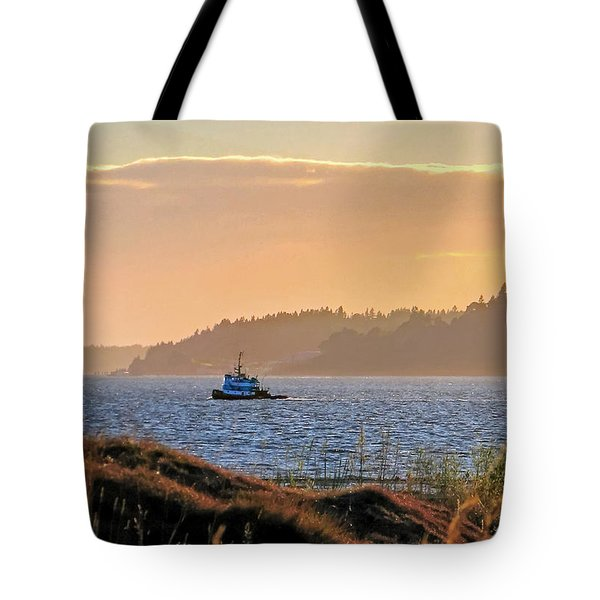 Twilight Tug -chambers Bay Golf Course Tote Bag by Chris Anderson