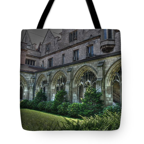 U Of C Grounds Tote Bag by David Bearden
