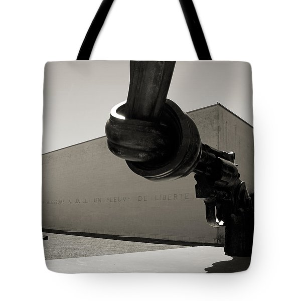 Un Fleuve De Liberte Tote Bag by RicardMN Photography