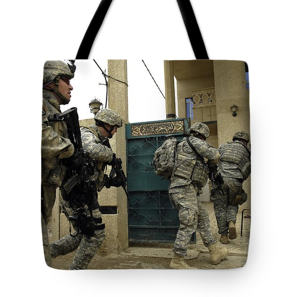 U.s. And Iraqi Army Soldiers Rushing Tote Bag by Stocktrek Images