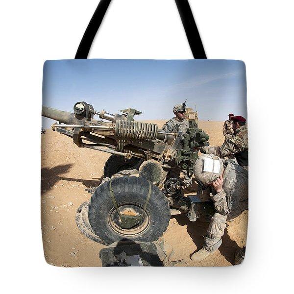 U.s. And Iraqi Artillerymen Train Tote Bag by Stocktrek Images