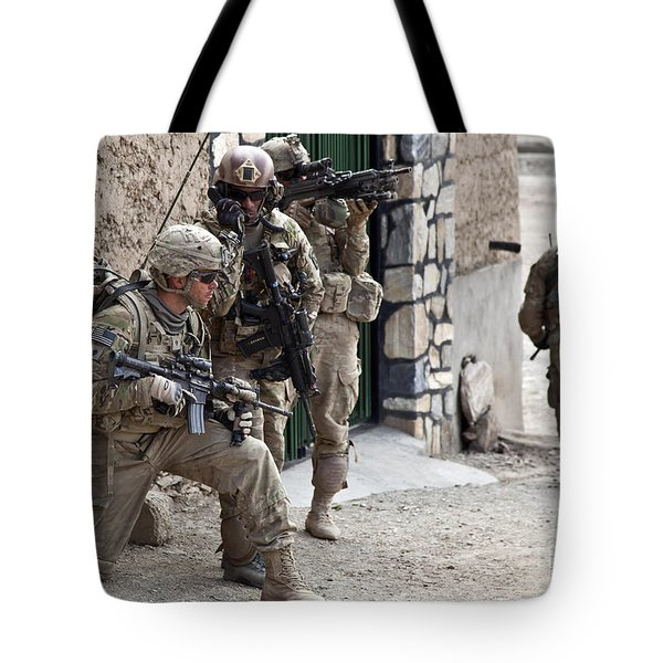 U.s. Army Battalion Pulls Security Tote Bag by Stocktrek Images