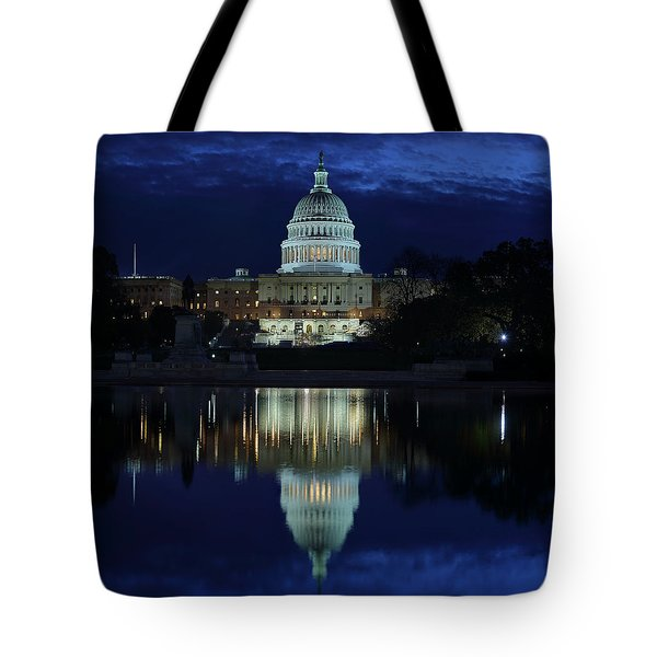 Us Capitol - Pre-dawn Getting Ready Tote Bag