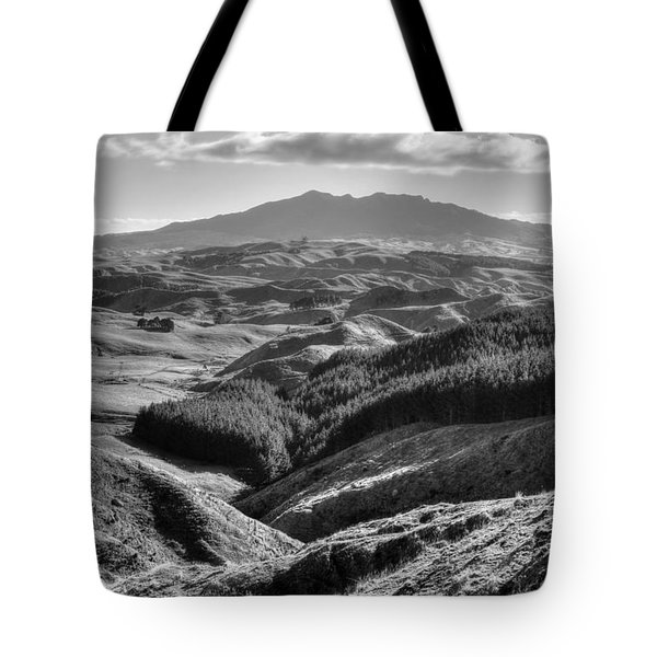 Valley View Tote Bag by Les Cunliffe