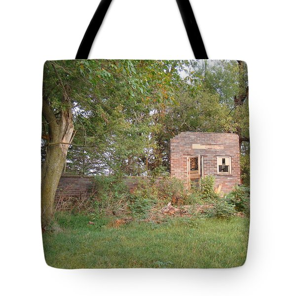 Walnut Grove School Ruins Tote Bag