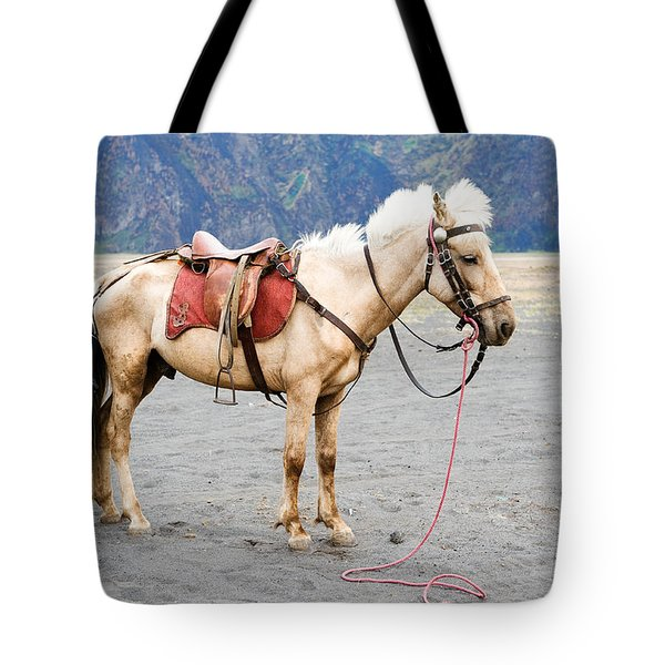 Tote Bag featuring the photograph White Horse by Yew Kwang