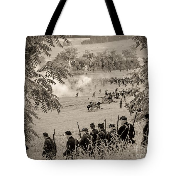 Gettysburg Union Artillery And Infantry 7465s Tote Bag