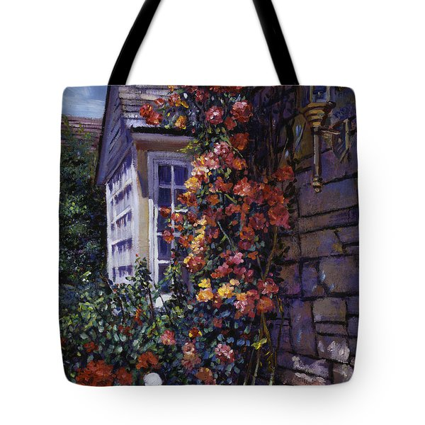 Magnificent Climbing Roses Tote Bag