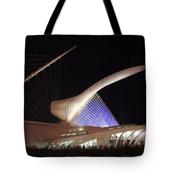 Milwaukee Art Museum Night View Tote Bag