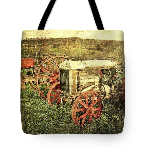 Vintage 1923 Fordson Tractors Tote Bag