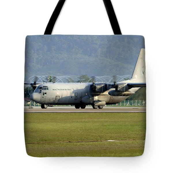 A C-130j Hercules Of The Royal Tote Bag by Remo Guidi