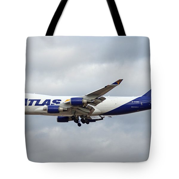 Atlas Air Boeing 747-47uf N415mc Phoenix Sky Harbor December 23 2015 Tote Bag