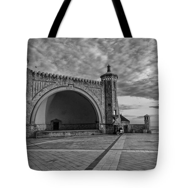 Band Shell Tote Bag