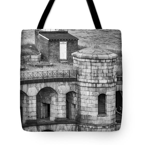 Tote Bag featuring the photograph Battery Weed At Fort Wadsworth Nyc by Susan Candelario