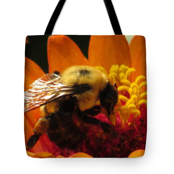 Bee With Zinnia Tote Bag