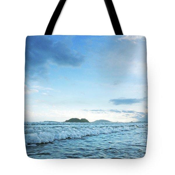 Binh Hai Beach, Quang Ngai Tote Bag