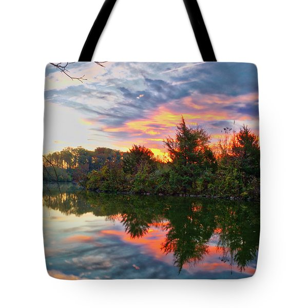 Tote Bag featuring the photograph Centennial Lake At Sunrise by Mark Dodd