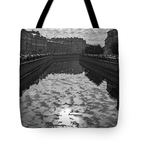 City Reflected In The Water Channels Tote Bag