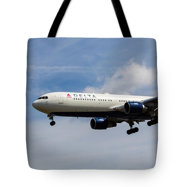 Delta Airlines Boeing 767 Tote Bag