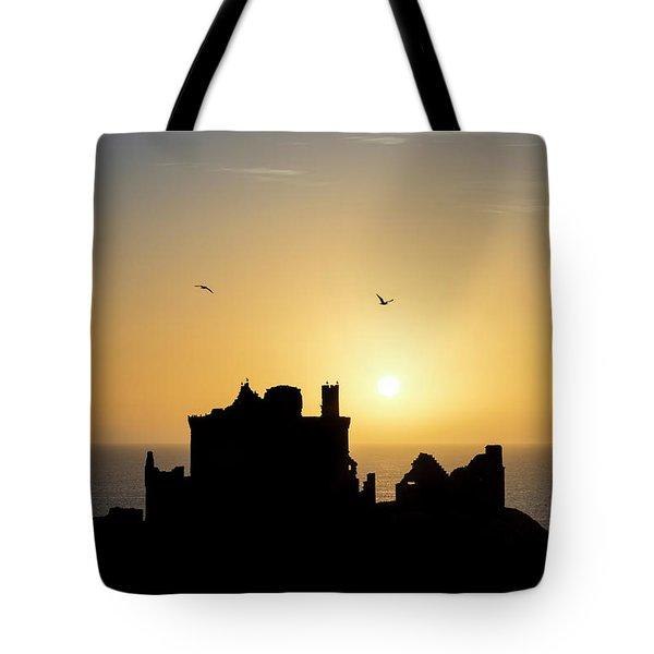 Dunnottar Castle Sunrise Tote Bag