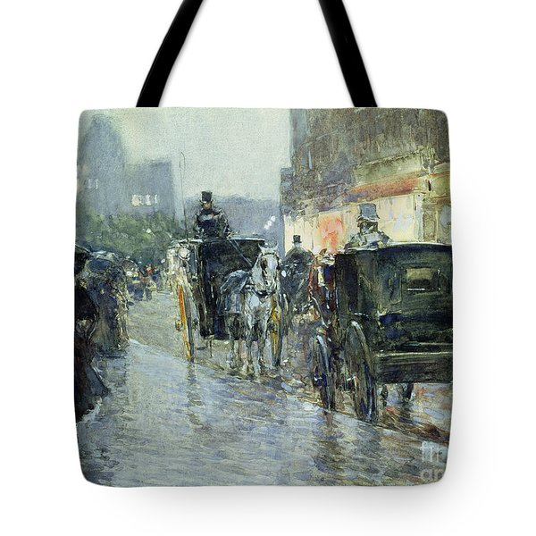 Horse Drawn Cabs At Evening In New York Tote Bag by Childe Hassam