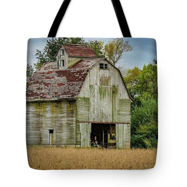 Iowa Barn Tote Bag
