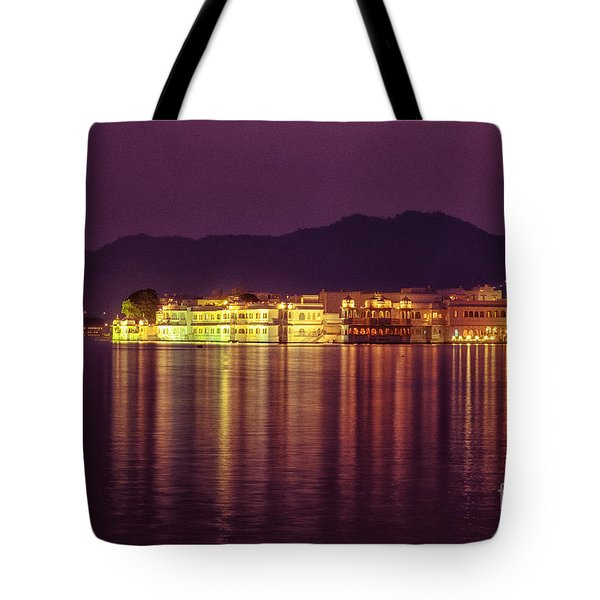 Tote Bag featuring the photograph Lake Palace Night Scenery by Yew Kwang