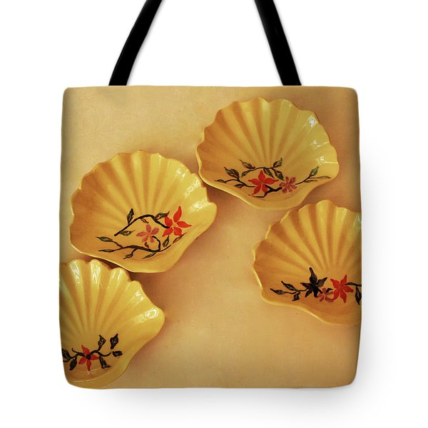 Little Shell Plate Tote Bag by Itzhak Richter