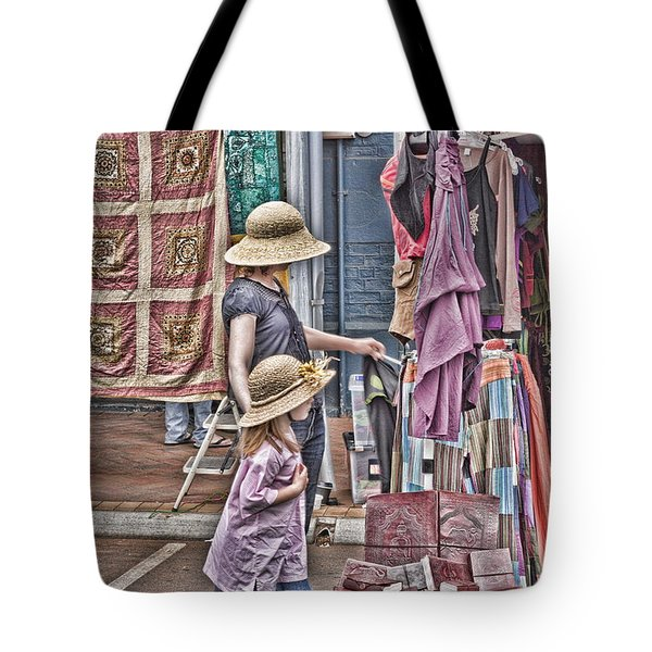 Tote Bag featuring the photograph Matching Hats by Elaine Teague