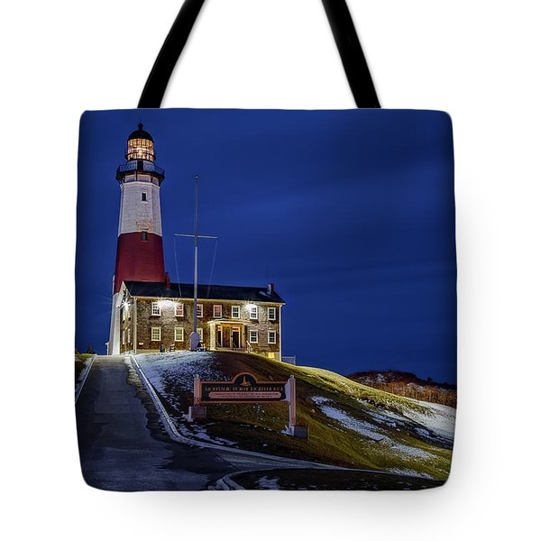 Tote Bag featuring the photograph Montauk Point Lighthouse by Susan Candelario