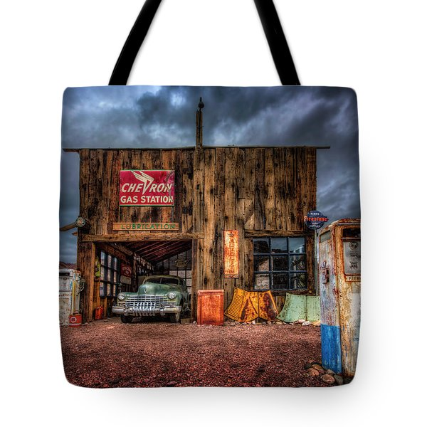 Nelson Nevada, Weathered Garage, Car, And Gas Pump Tote Bag
