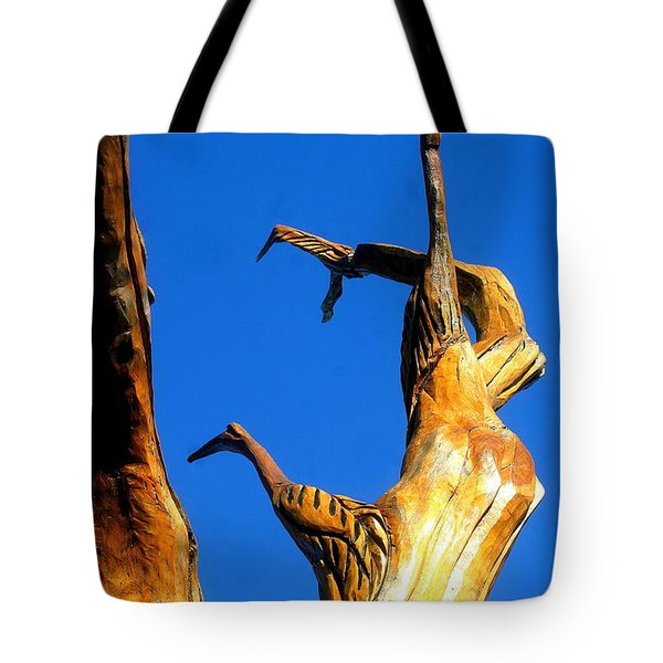 New Orleans Bird Tree Sculpture In Louisiana Tote Bag