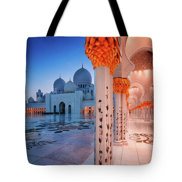 Night View At Sheikh Zayed Grand Mosque, Abu Dhabi, United Arab Emirates Tote Bag