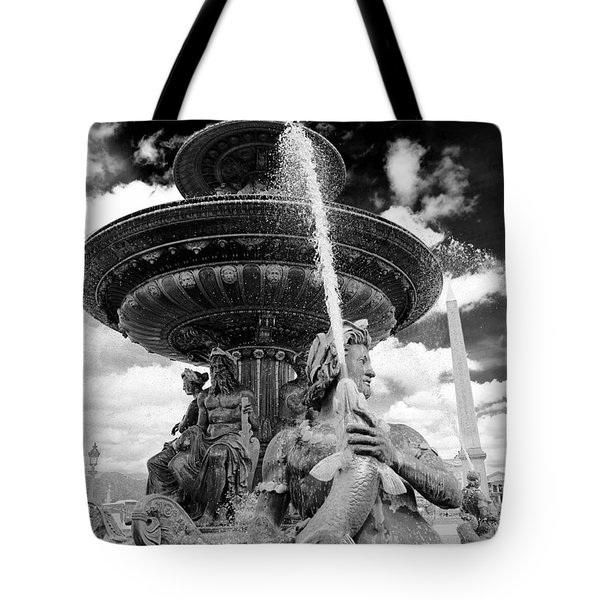 Tote Bag featuring the photograph Place De La Concorde Fountain by Heidi Hermes