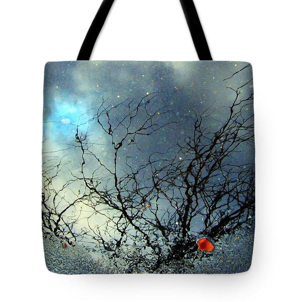 Puddle Art Tote Bag by Dale   Ford