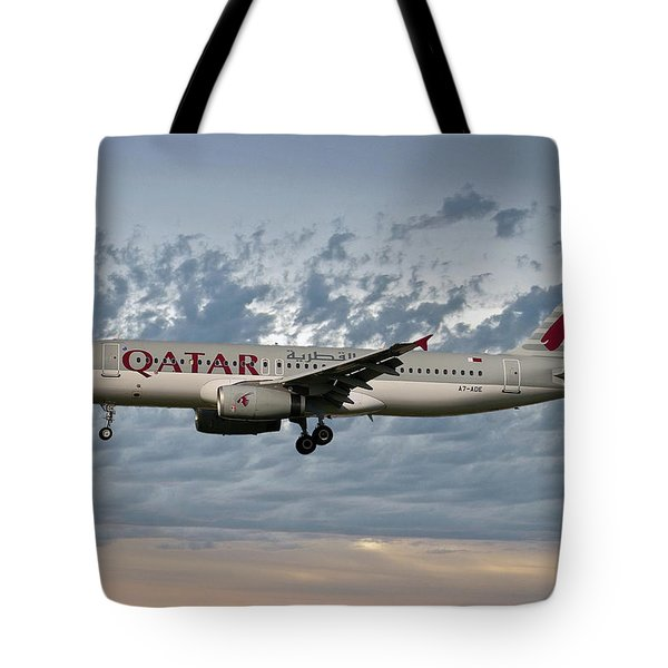 Qatar Airways Airbus A320-232 Tote Bag