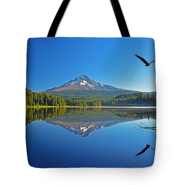 Soaring Bald Eagle Tote Bag