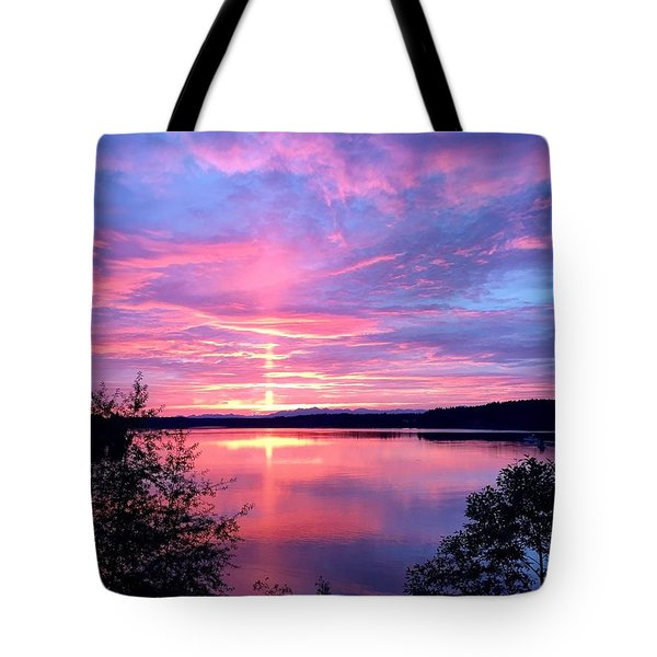 Sun Pillar Tote Bag