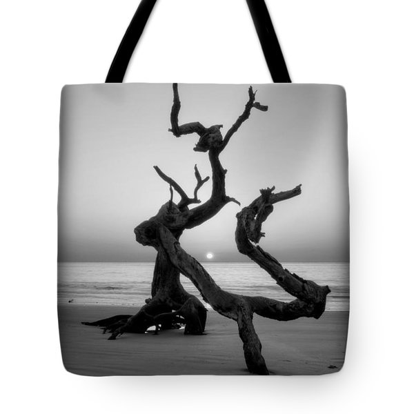 Sunrise On Driftwood In Black And White Tote Bag